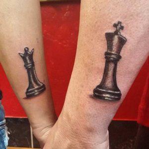 tatuajes para parejas piezas de ajedrez