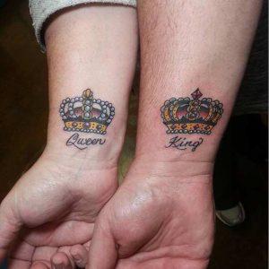 tatuajes para parejas King & Queen coronas naipe español